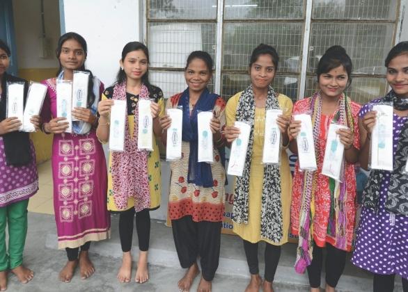 Trousse d'articles d'hygiène féminine réutilisables